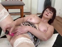 mom with big tits setup dildo in her wet pussy