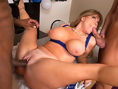 Horny milf with beauty tits gets two cock in threesome