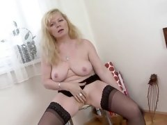 mature stocking porno