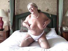 mature women masturbating pics
