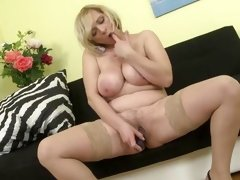 mature women masturbating videos